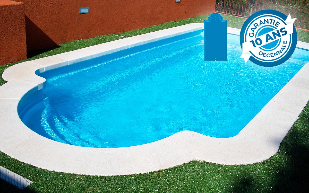 Piscine coque montecarlo 64 kit low cost piscine direct usine for Piscine 3x6 prix